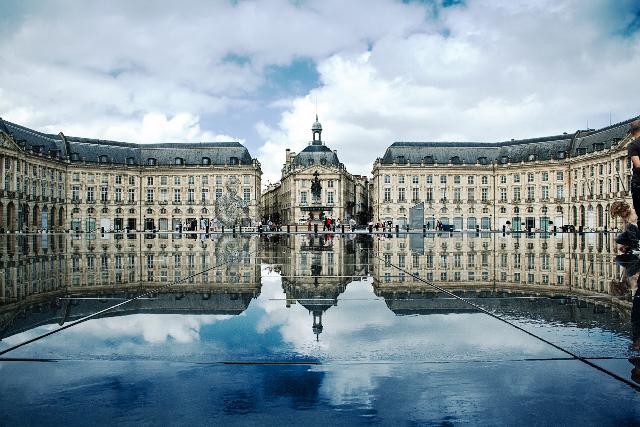 Place_de_la_Bourse_Bordeaux_France_640.jpg